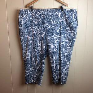 Avenue Blue White Paisley Capri Pants